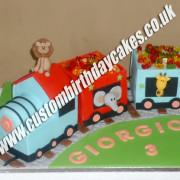 Animals Train Cake